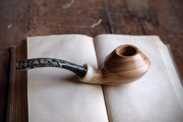 Olive rhodesian pipe